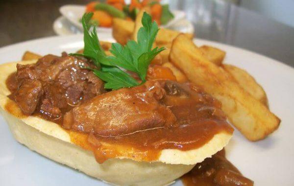 Edenshine Restaurant - Beef & Ale Pie (680x)