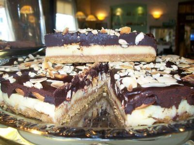 Edenshine Restaurant - Chocolate Nut Cheesecake (600x)