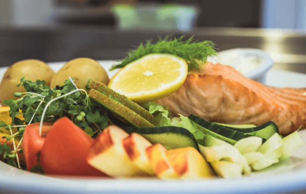 Edenshine Restaurant - Oven Roasted Salmon (680x)